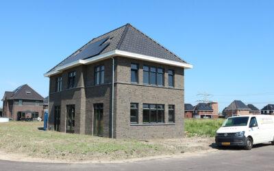 Oplevering villa Land van Matena te Papendrecht